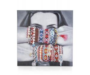 Peinture noir et blanc femme cachée bracelets multicolores