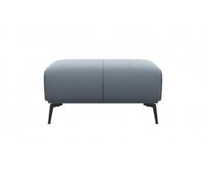 Pouf en tissus gris clair style minimaliste