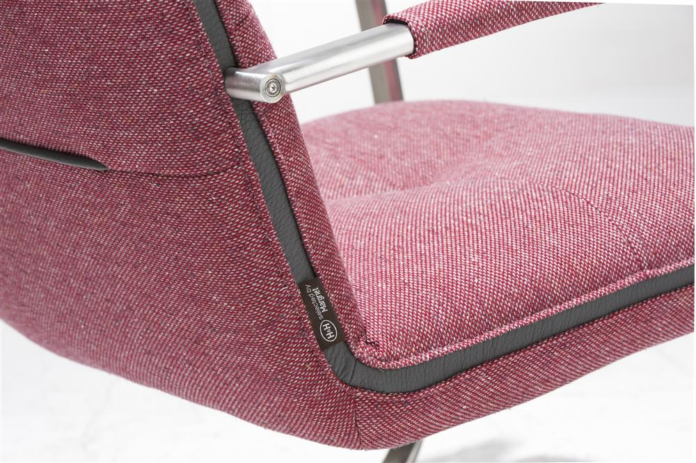 hen magrit fauteuil rood label