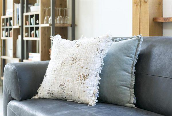 décoration coussins canapé gris