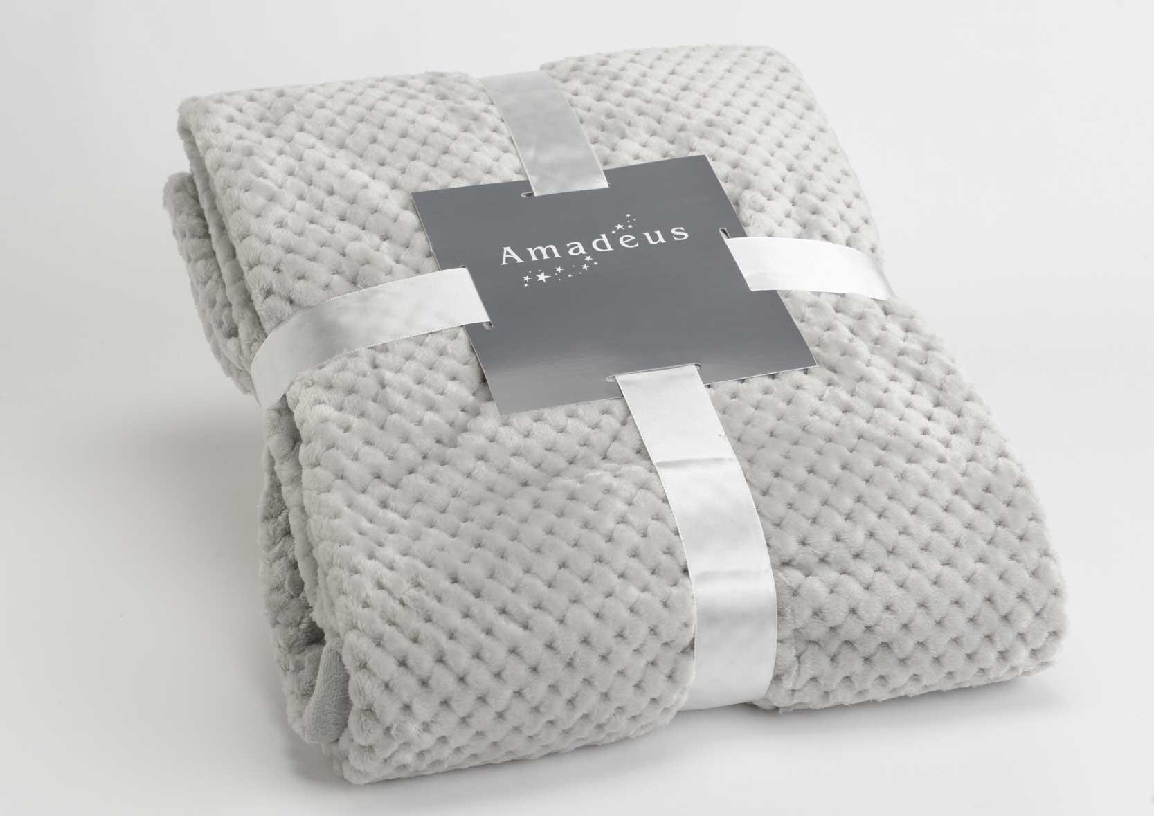 grand plaid gris clair 170x240 objet d co home villa. Black Bedroom Furniture Sets. Home Design Ideas