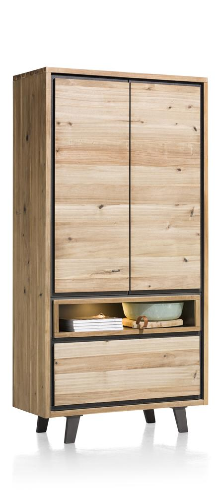 Armoire en bois avec détails noirs