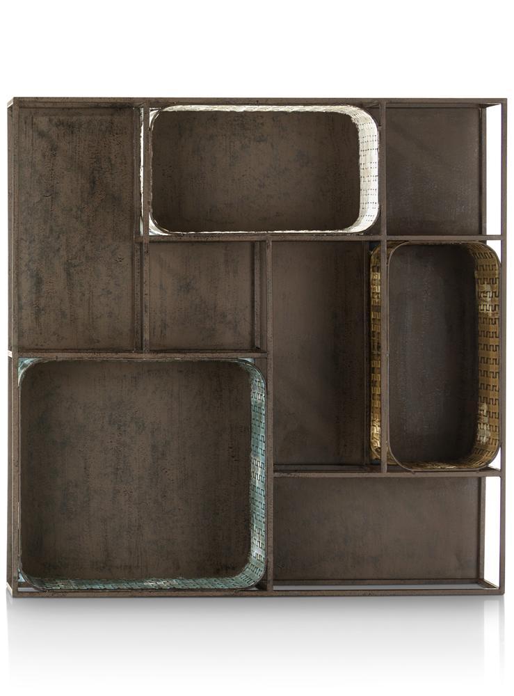 Etagère métallique avec niches colorées