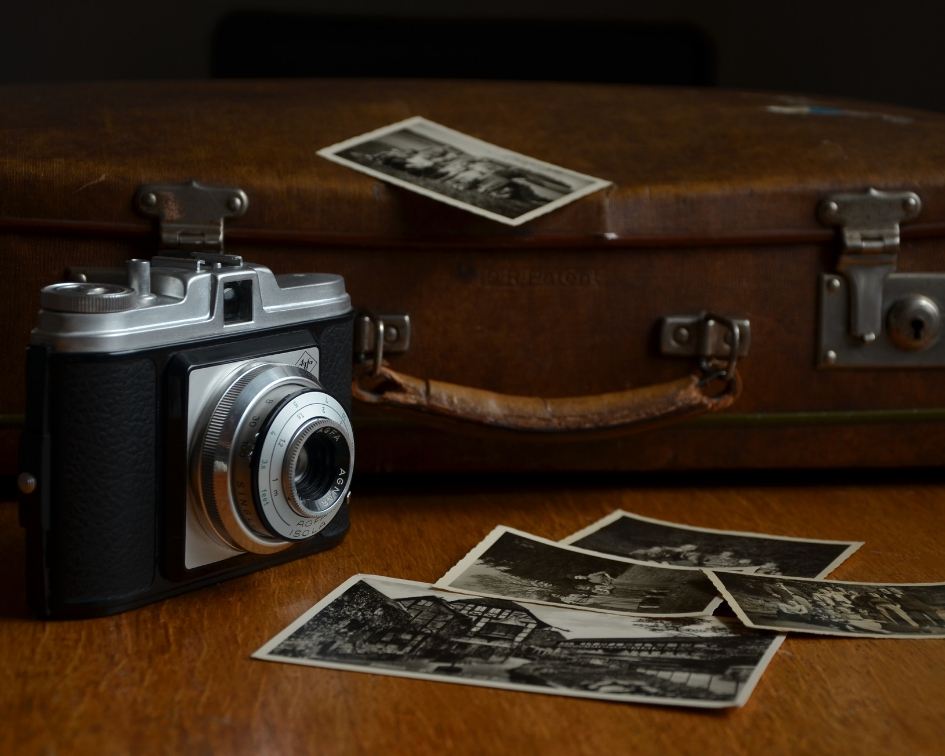 Valise vintage et polaroid