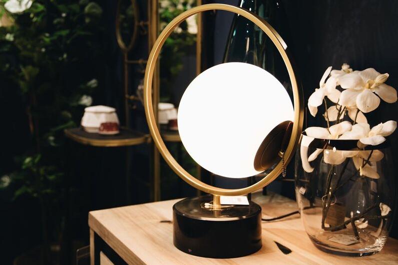 lampe à poser gold et blanc