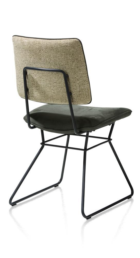 Chaise verte cadre noir