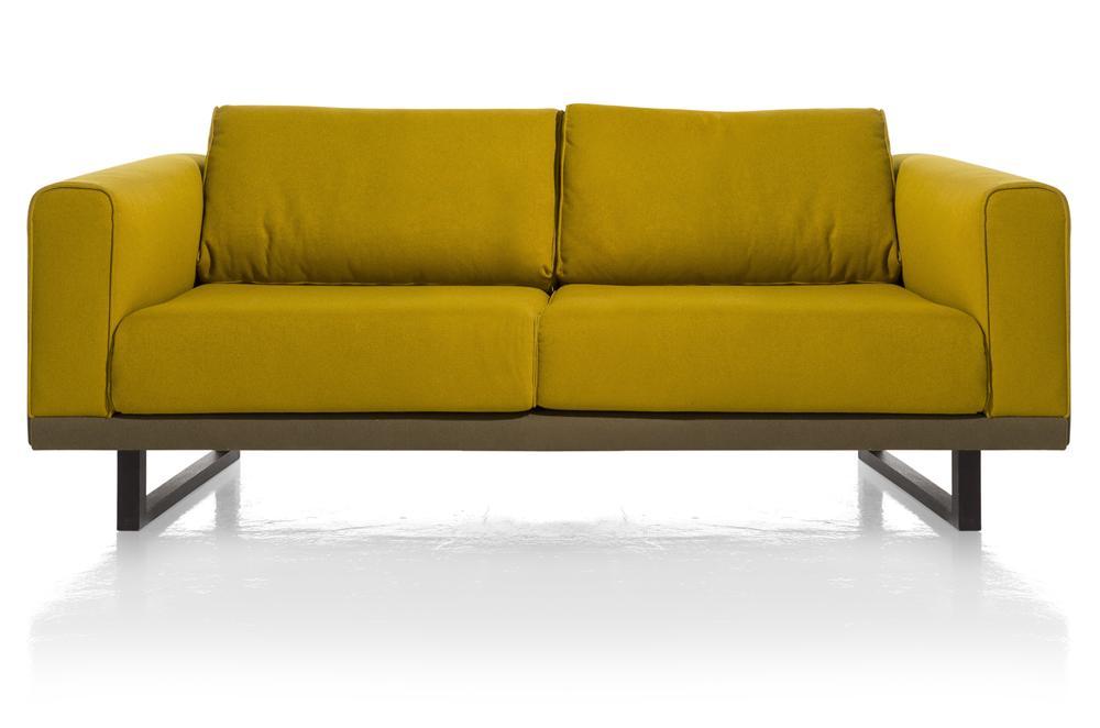 Canapé 2 places jaune avec accoudoirs