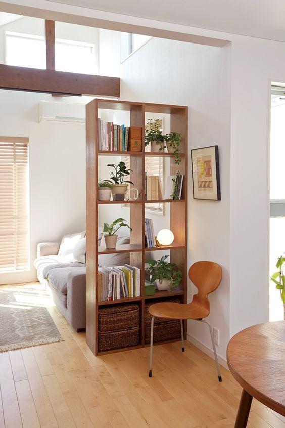 étagère bois séparatrice salon
