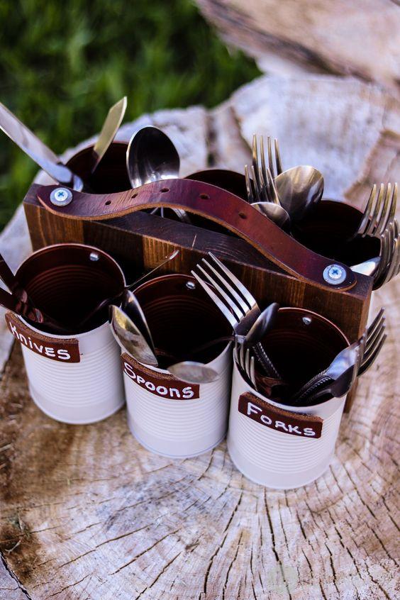 récup boites de conserve en pots à couverts