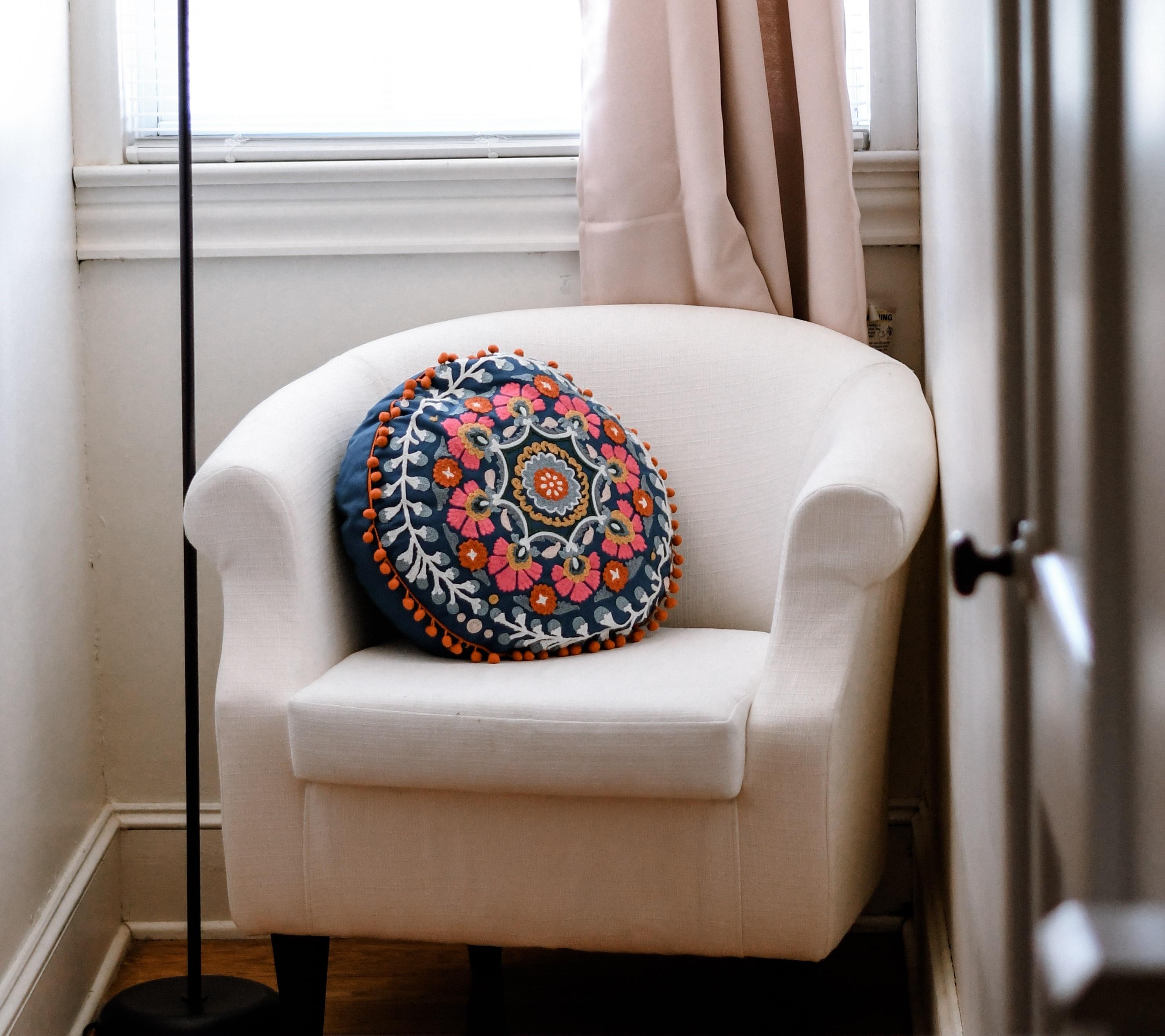fauteuil tissus beige coussin couleurs
