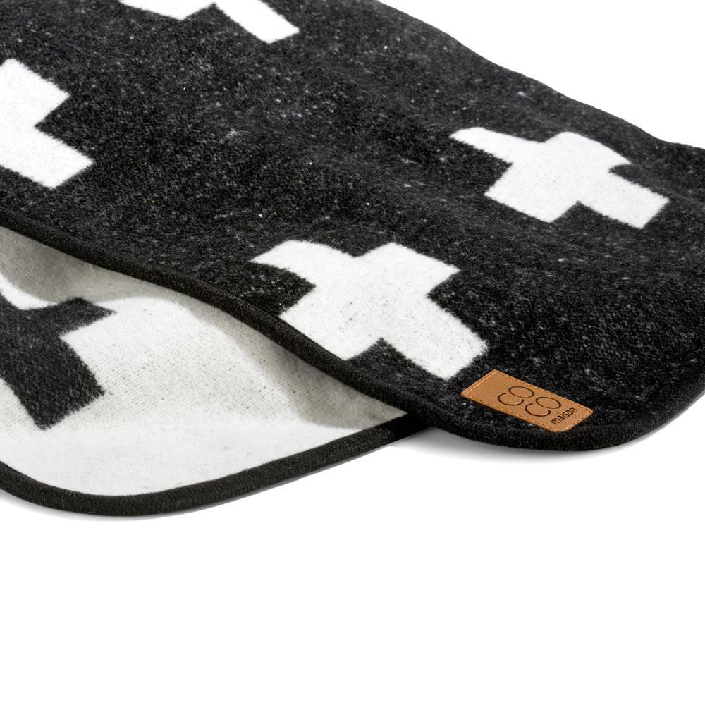 Plaid noir et blanc motif croix