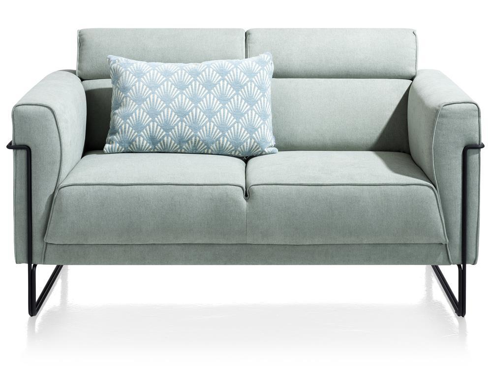Petit canapé en tissu couleur bleu menthe