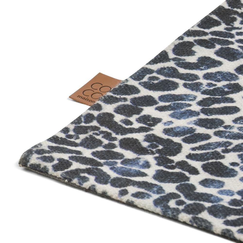 Angle de tapis motifs léopards
