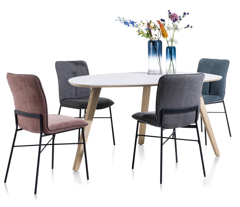 Table à manger 4 places style scandinave et chaises en tissus