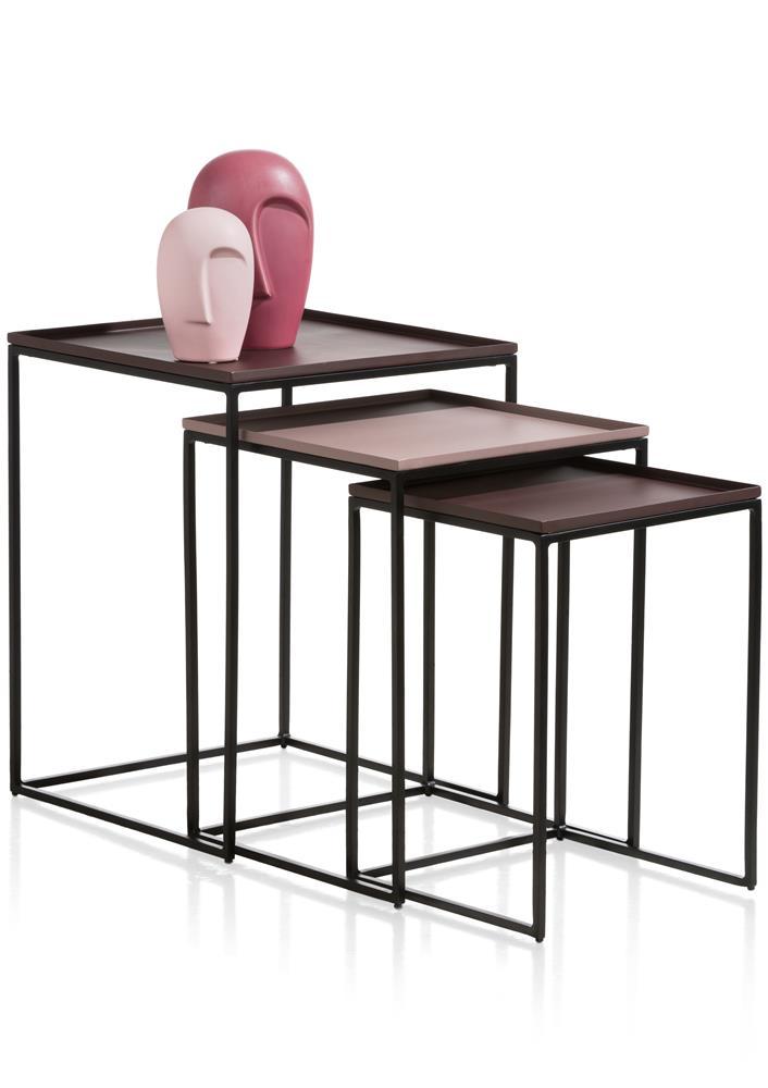 Tables gigognes en métal moderne couleur noir et violet