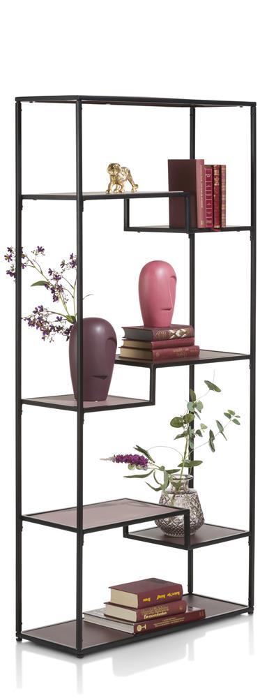 étagère moderne en métal noir avec étagères roses
