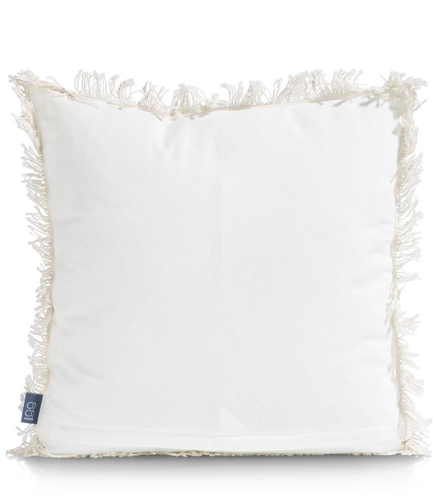 coussin en coton beige habillé de coquillages blancs