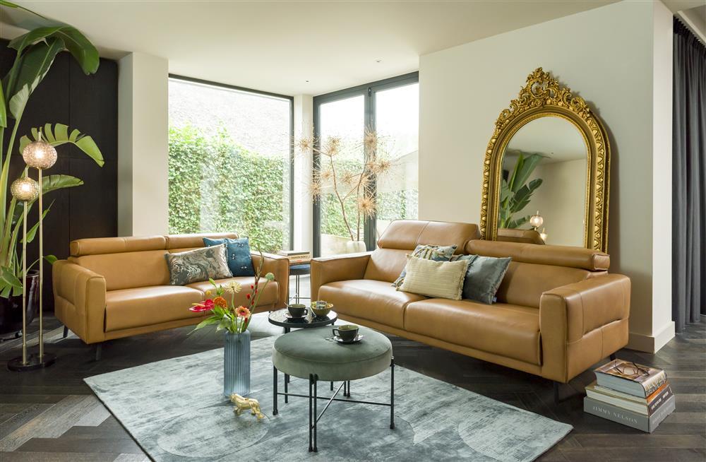 Salon contemporain canapés cuir marron