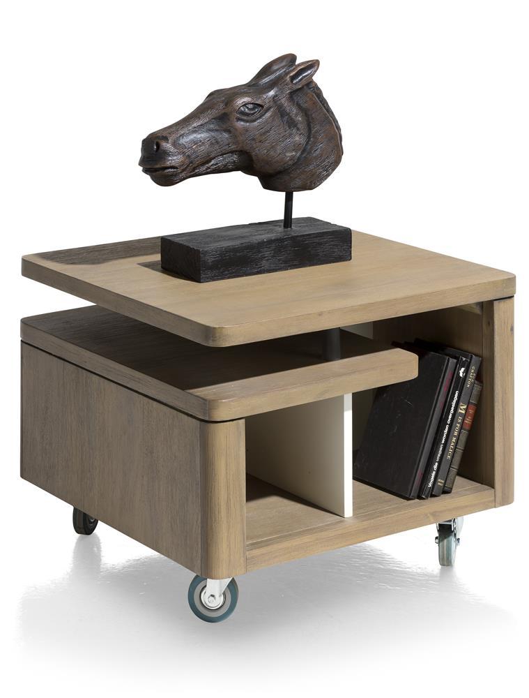 Table d'appoint bois foncé à roulettes