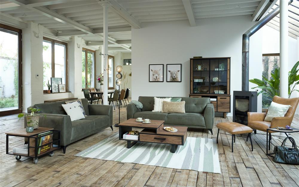 Ambiance salon contemporain bois et couleurs naturelles