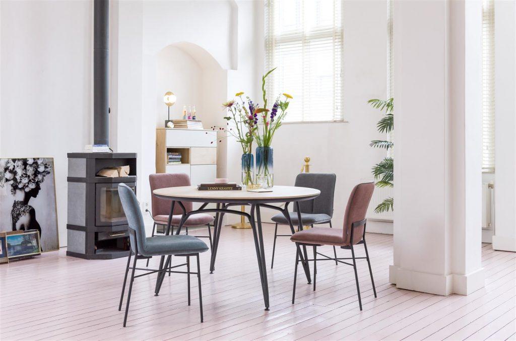 Ambiance salle à manger table ronde moderne et scandinave