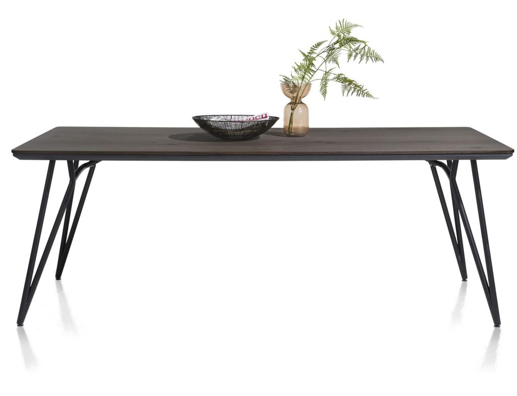 Table à manger scandinave bois de chêne et métal noir