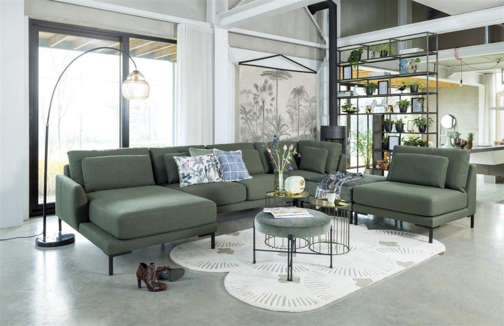 Salon tendance avec canapé modulable vert amande