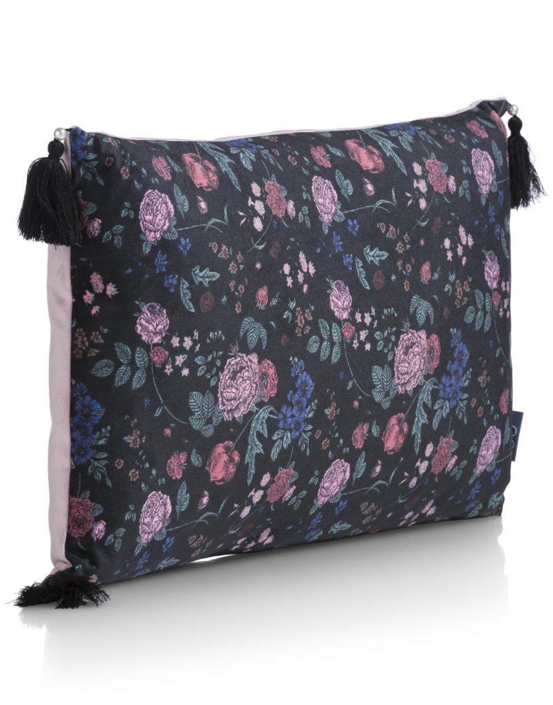 Coussin rectangulaire noir et rose avec imprimé fleuris