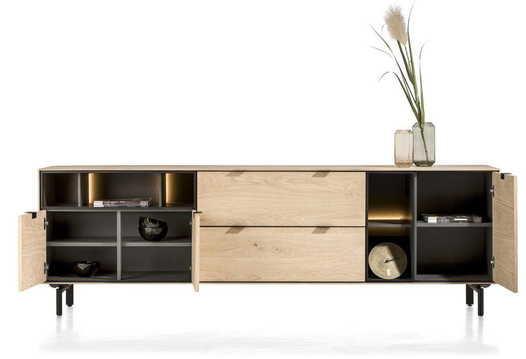 Buffet moderne à suspendre composé de bois de chêne teinte natural