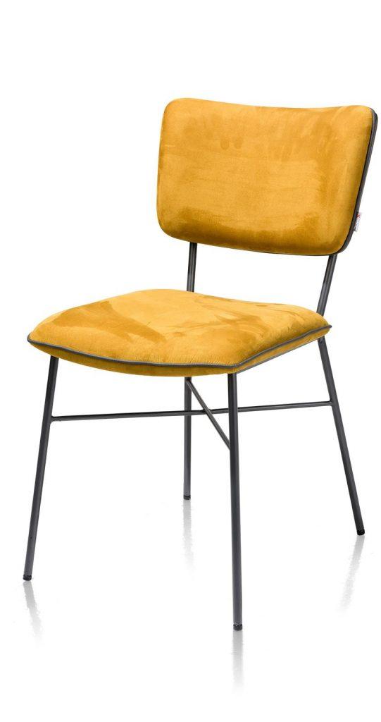 Chaise minimaliste en tissu jaune ocre