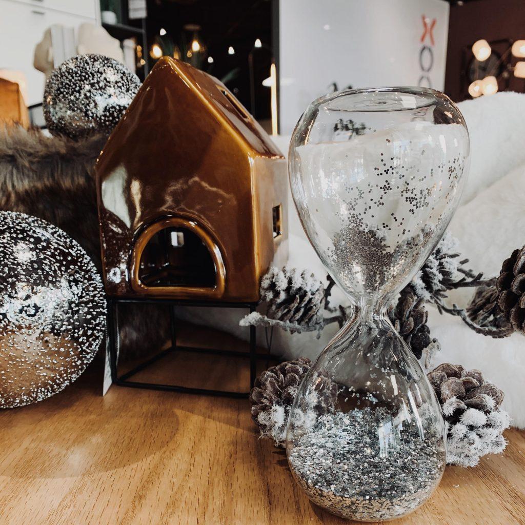 Décoration de Noël sablier et photophore chalet de montage