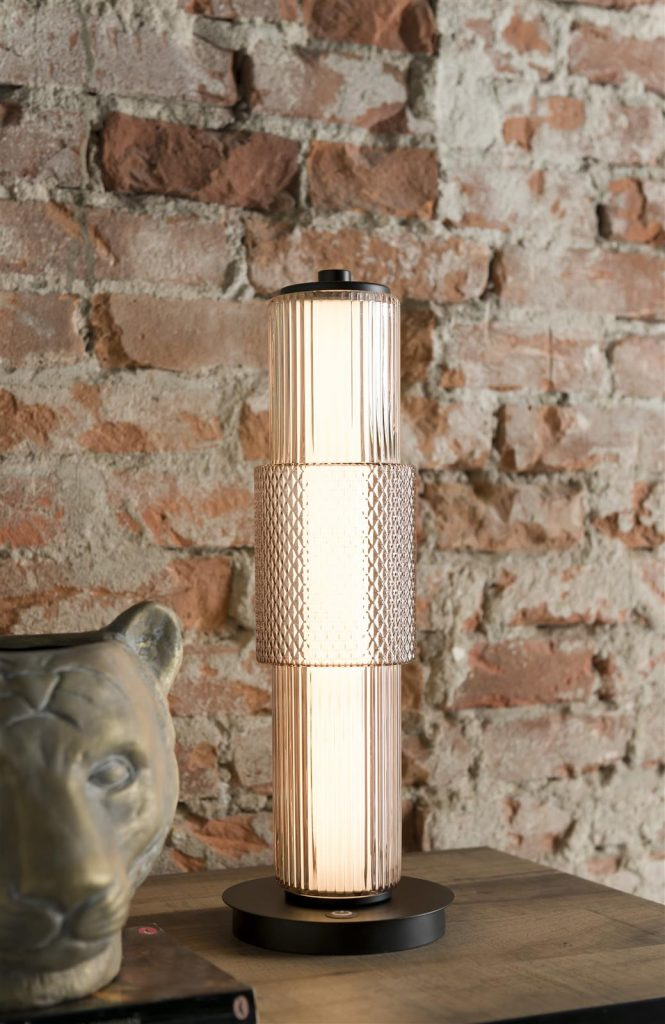 Lampe à poser cylindrique au style moderne et industriel