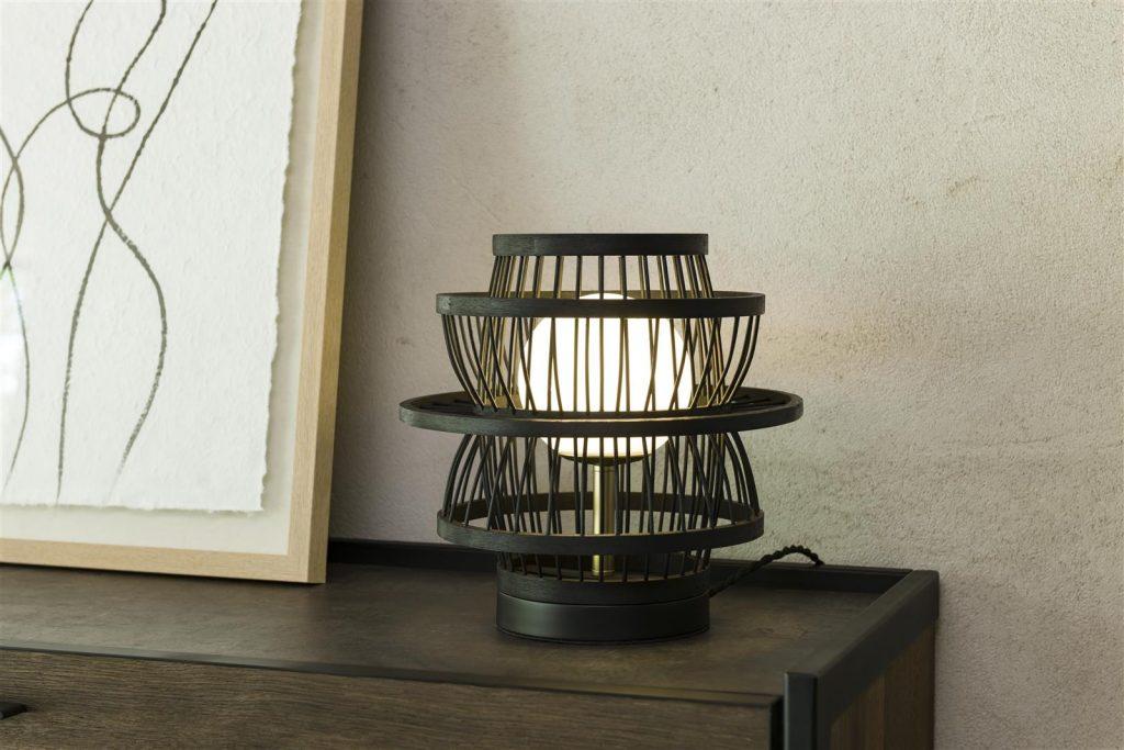 Lampe en bambou noir