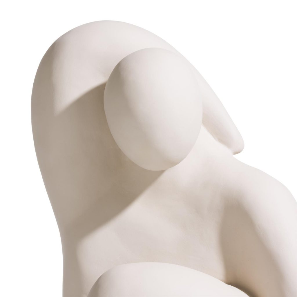 Statue contemporaine unisexe de couleur beige
