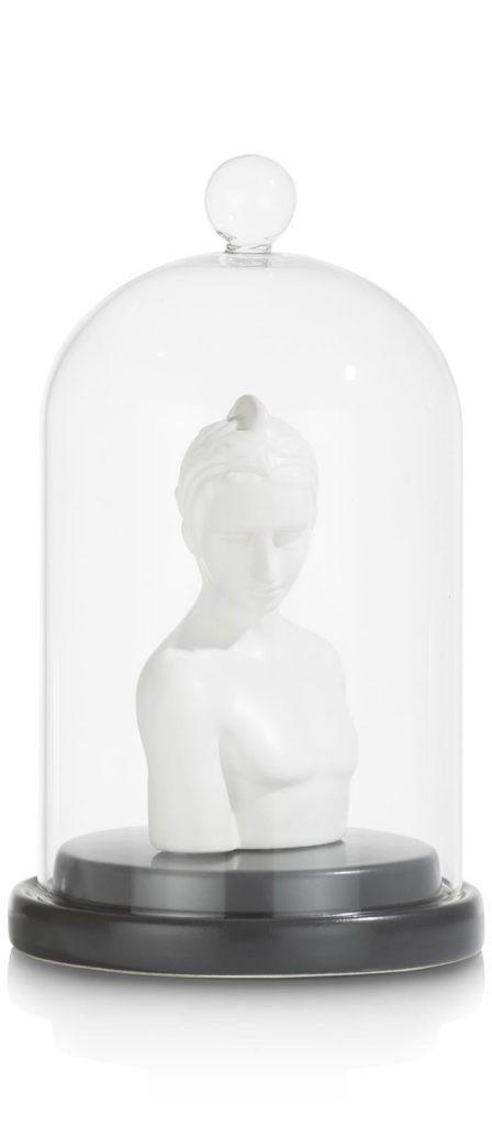 Statue antique en céramique blanche sous cloche en verre