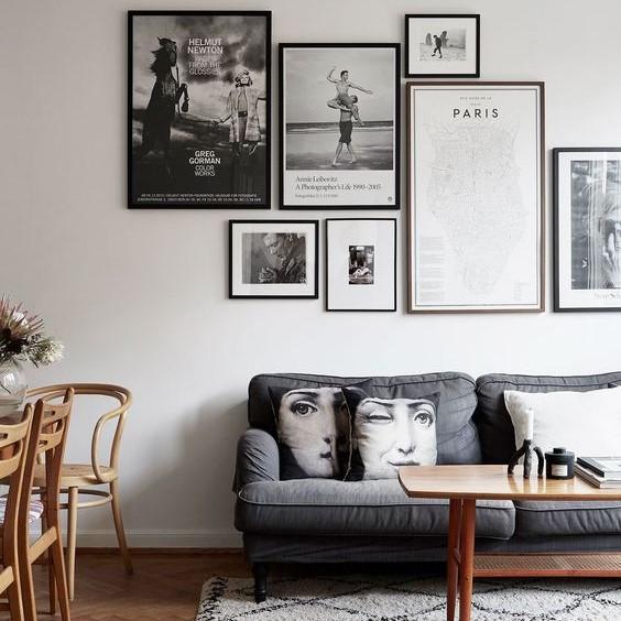 Décoration salon mur de cadres vintage noire et blanc
