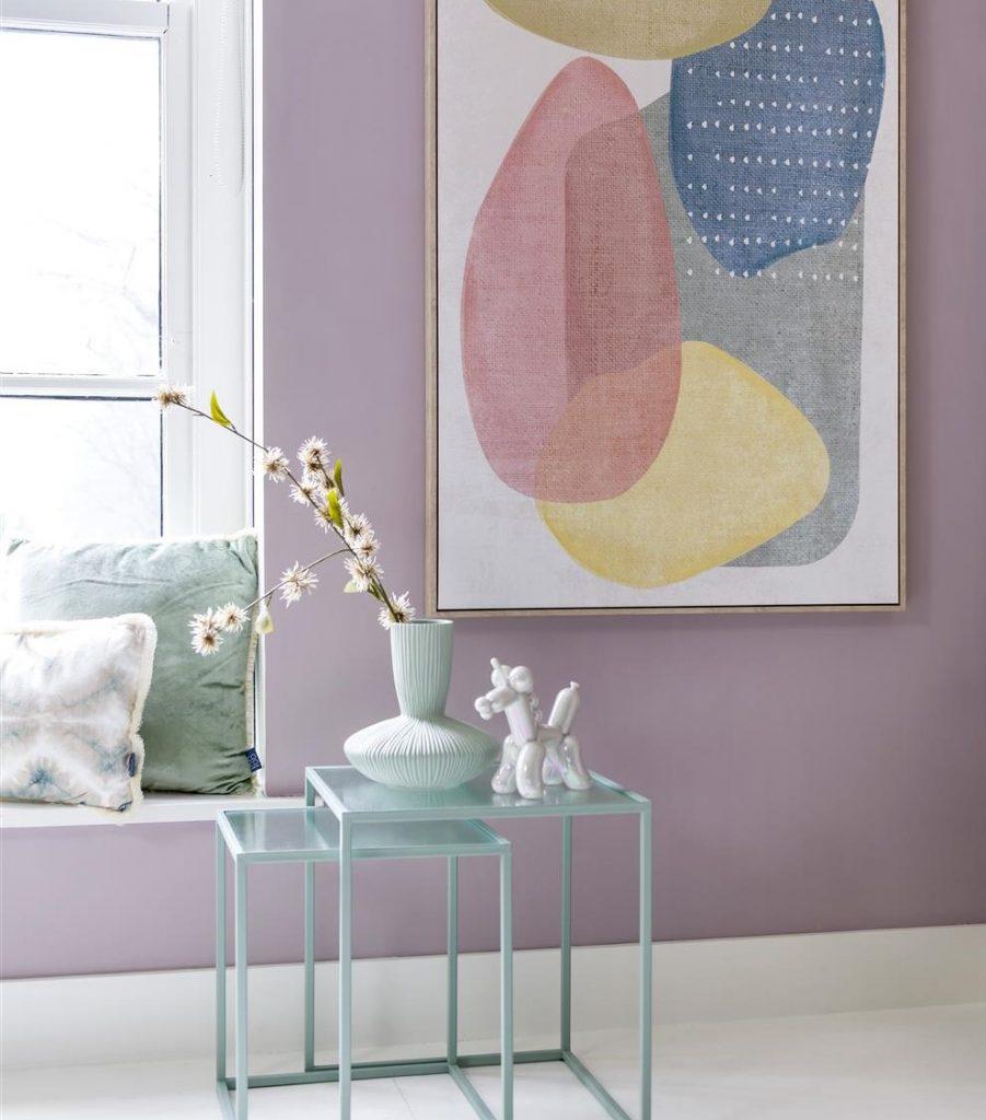 Décoration intérieure pastel et formes organiques