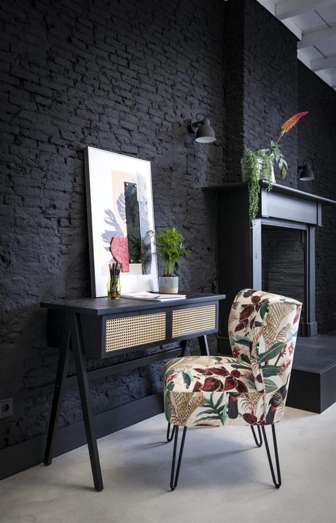 Bureau en bois noir et tissage canné