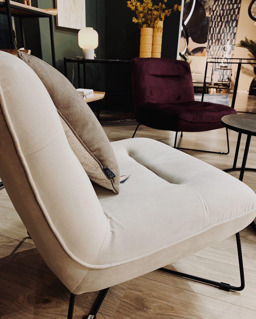 Fauteuil lounge design contemporain en velours beige