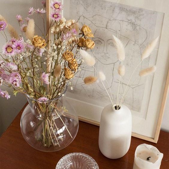 Décoration vases de fleurs séchées