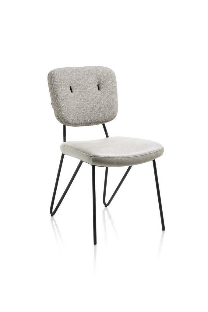 Chaise cosy et minimaliste en tissu