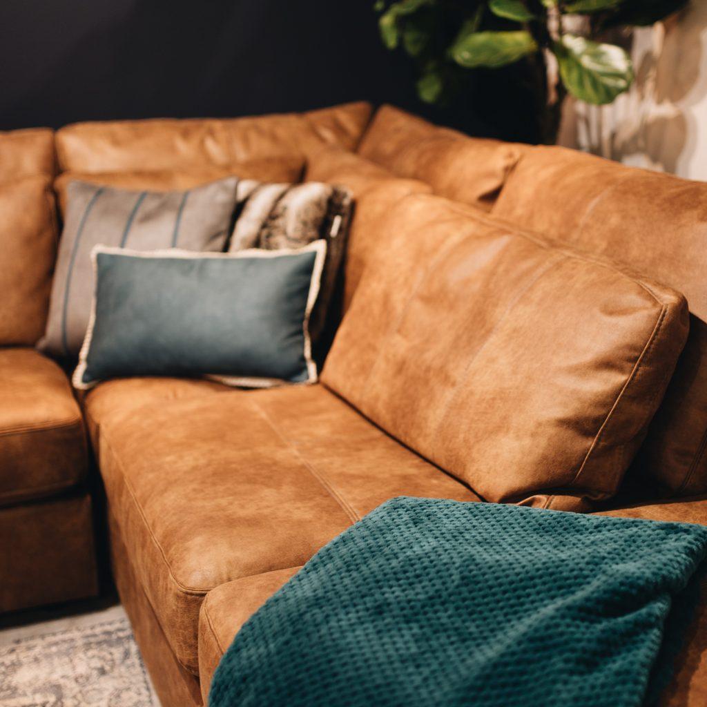 Canapé d'angle en cuir marron