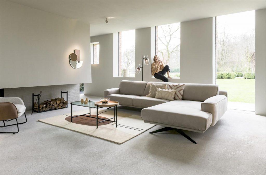 Salon minimaliste et contemporain canapé d'angle