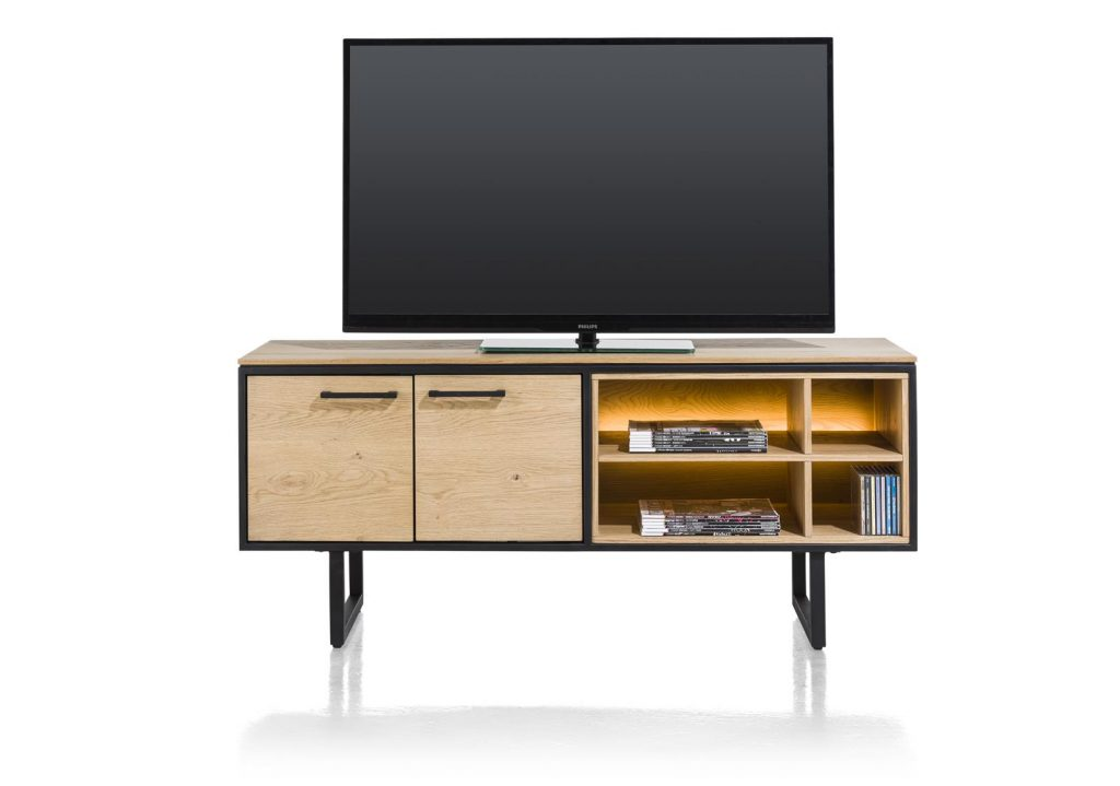 Meuble TV bois de chêne et métal noir au style industriel et moderne