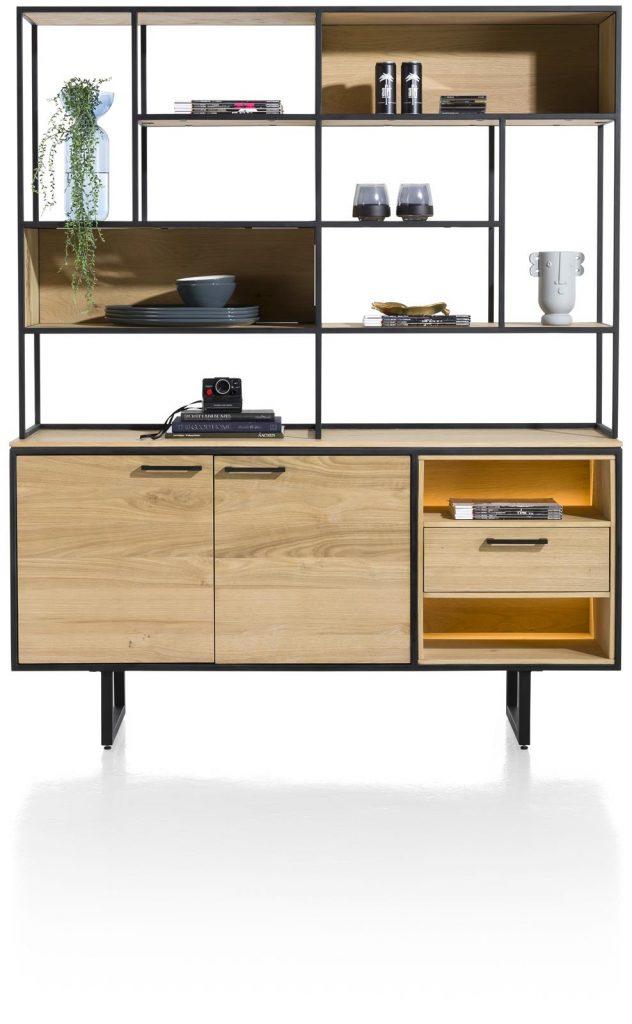 Meuble industriel et minimaliste en bois de chêne et métal noir